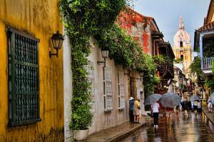 colonial-buildings-in-old-cartagena-colombia-david-smith