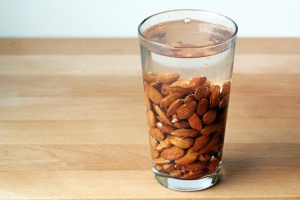 Almond milk9-3