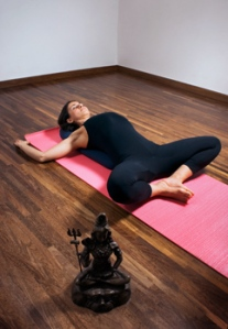 Yoga_ReclinedBoundAnglePose_01_300x350